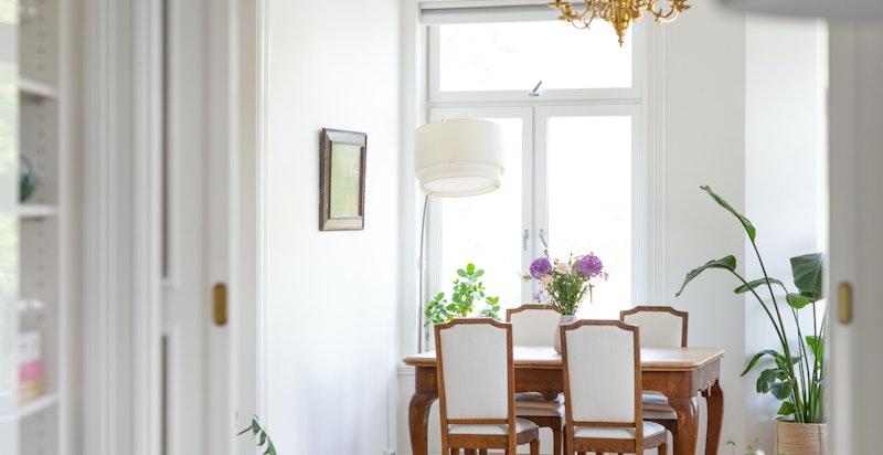 Detaljer - fra kjøkken til dagligstuen.