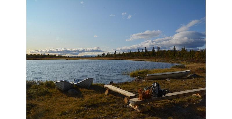 I nærheten finner man også hyggelige fjell- og fiskevann.