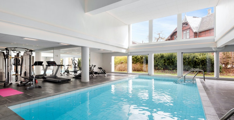 Sameie har flott oppgradert treningsrom med basseng for beboerne.