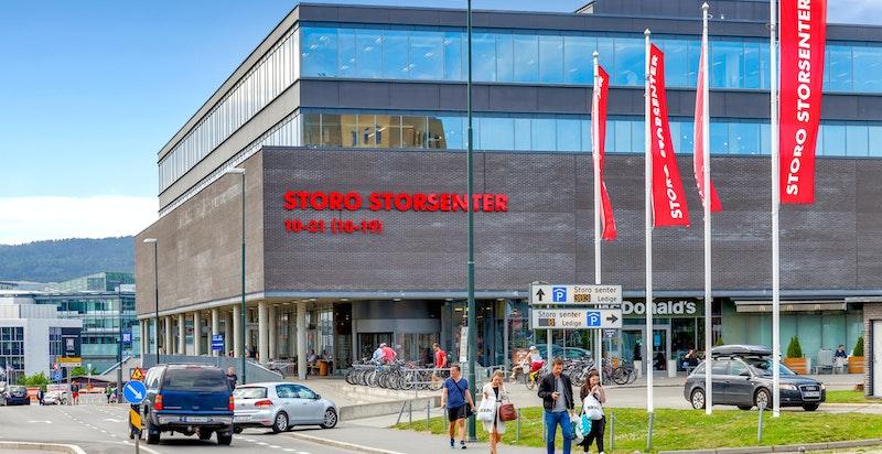 Det er kun et par minutters gange til Storo Storsenter, Oslos største handlesenter med over 130 butikker, spisesteder og servicetilbud