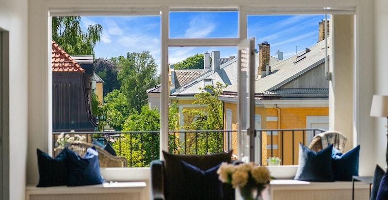 Fra stuen mot balkongen
