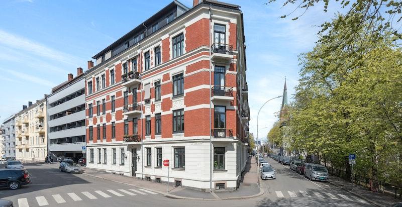 Pen boliggård med rolig og tilbatrukket beliggenhet på Uranienborg