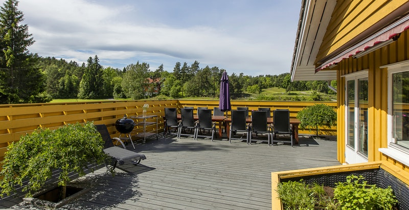 Terrassen er et naturlig oppholdssted gjennom hele sommerhalvåret