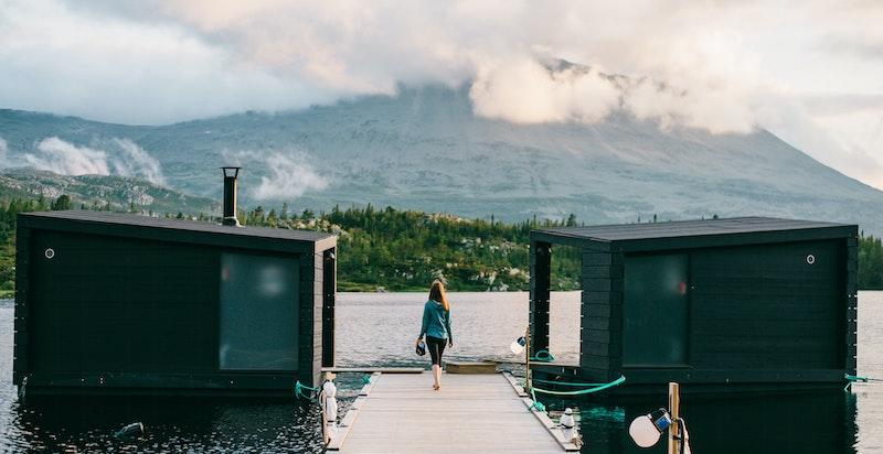 Flytende badstuer på Kvitåvatn ved Gaustablikk høyfjellshotell