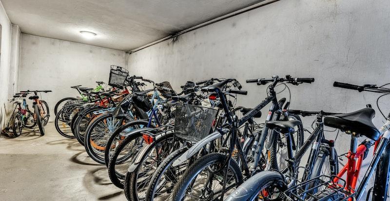 Sykkelparkering i underetasje