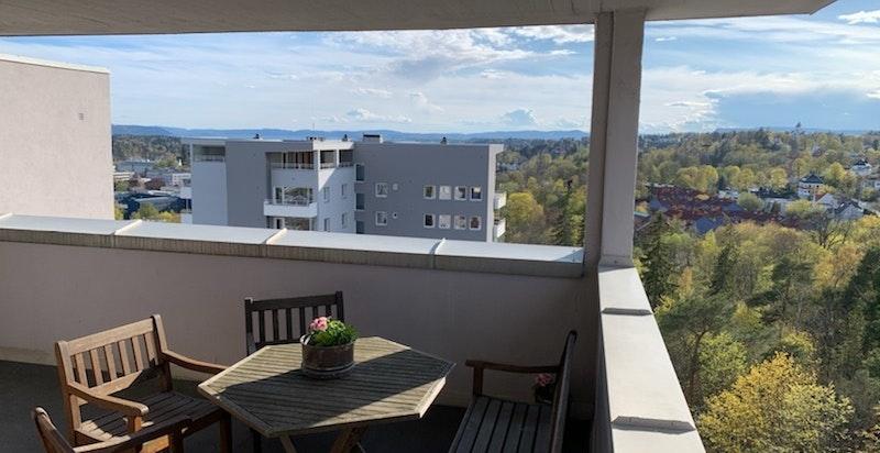 Fra loftetasjen er det utgang til felles terrasser tilgjengelige for seksjonseierne