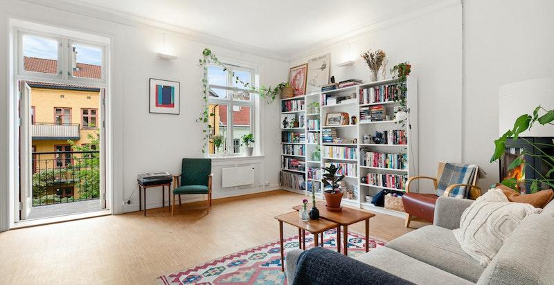 En klassiske og sjarmerende 2-roms leilighet, beliggende i byggets 3. etasje.