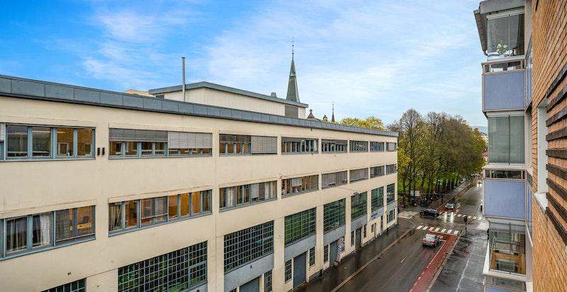 Sporveisgata mot Stensparken og Fagerborg kirke.
