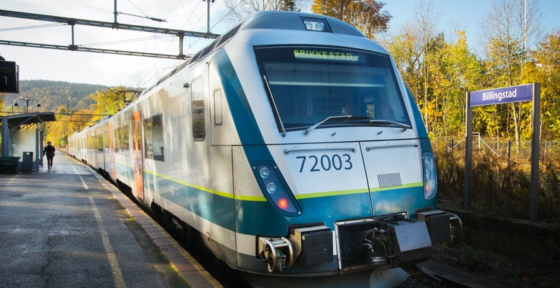 Billingstad stasjon og Hvalstad er nærmeste togstasjon