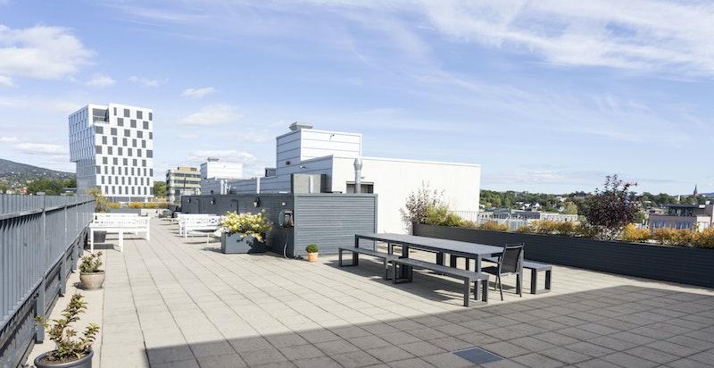 Sameiet har en nydelig og hyggelig takterrasse som kan benyttes av alle beboerne.