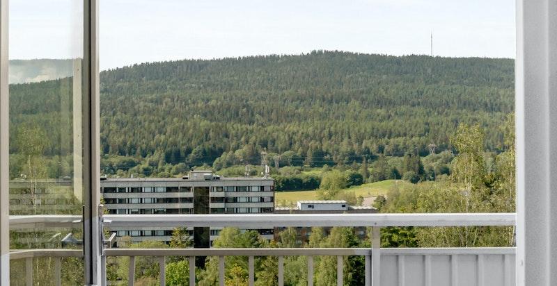 Herlig balkong med flott utsikt mot Nordmarka