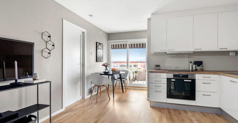 Velkommen til Åsengata 8A, en hyggelig 3-roms med solrik balkong og god standard