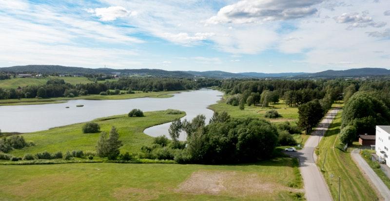 Nitelva gir gode rekreasjonsmuligheter både sommer og vinter.