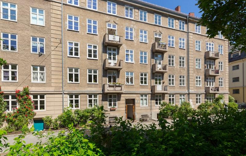 Flott boliggård i rolig gate sentralt på Frogner