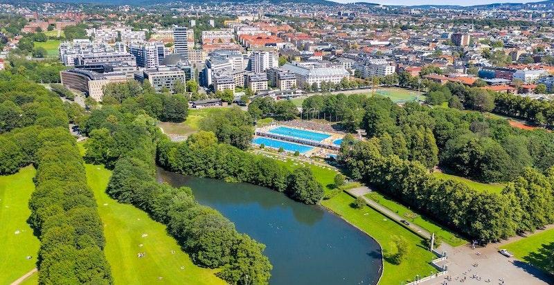 Frognerparken m/ Frognerbadet, Frogner Tennis samt store arealer for jogging- og rekreasjon