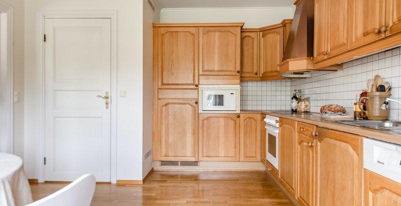 Inngang til kjølerom fra kjøkkenet