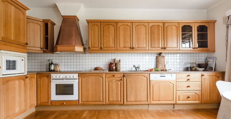 Separat kjøkken hvor det er godt med oppbevaringsplass