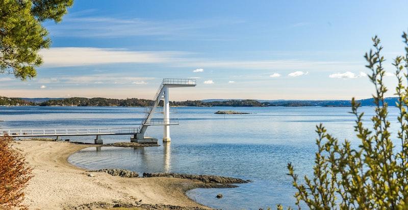 Kort sykkeltur eller litt gangvei til Hvalstrand bad