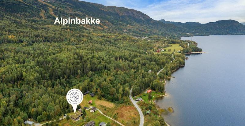 Det er kort vei til Norefjell skianlegg med et svært godt skitilbud både nedover og bortover.