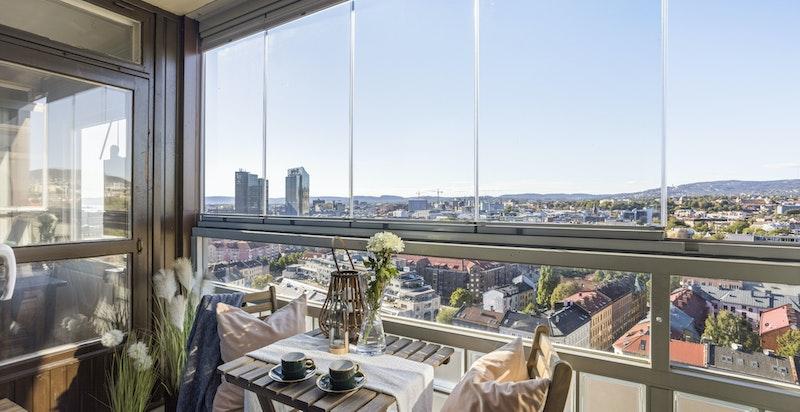 Velkommen til Enerhauggata 3 - en fantastisk leilighet med helt enestående utsikt over hele Oslo by.