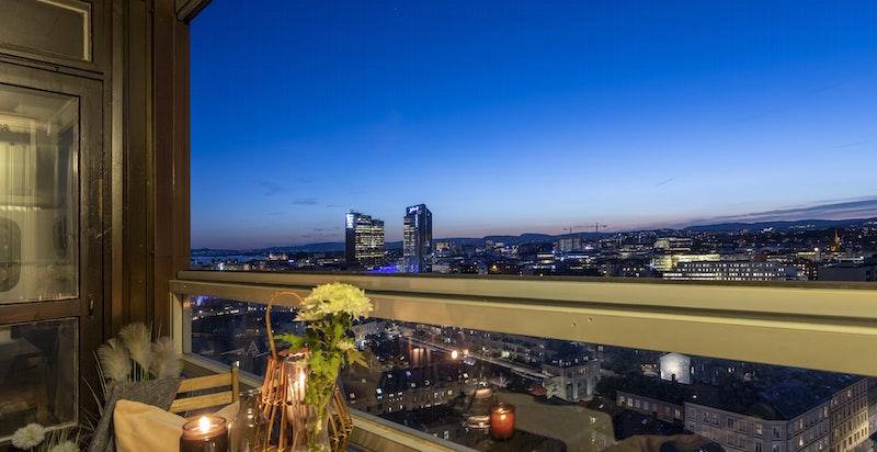 Innglassingen gjør det i tillegg enkelt å bruke balkongen også når det er kjøligere ute.