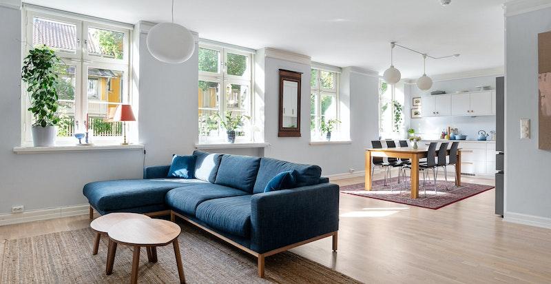 Velkommen til denne nydelige 4(5)-roms leiligheten i flotte Solheimgata!