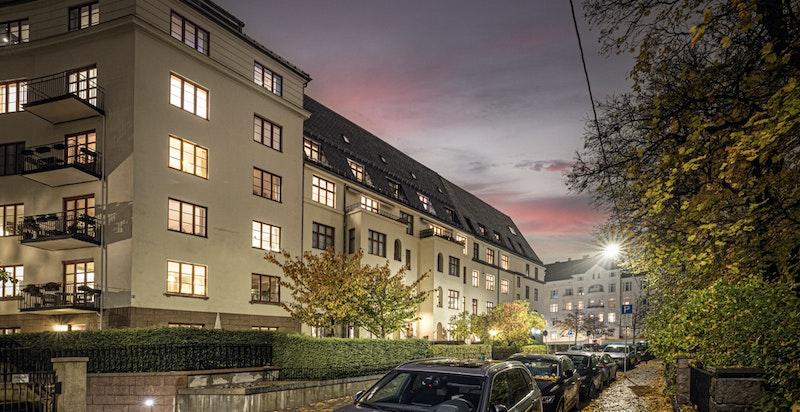 Kveldsbilde fra gaten