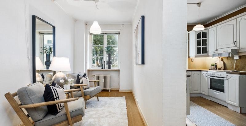 Rommet ved siden av kjøkkenet kan brukes til tv stue, multimediarom, soverom etc.