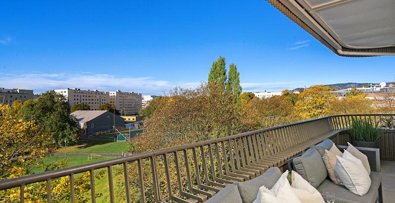 Stor balkong ca. 14 kvm mot Marienlystparken